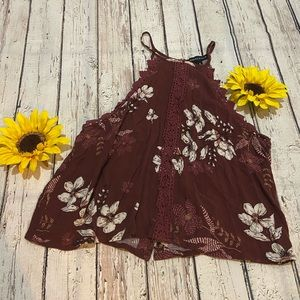Kendall & Kylie burgundy halter top size S